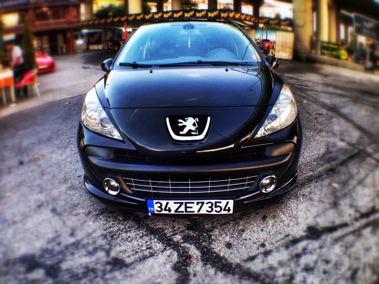Har du orden i dine forsikringer til din Peugeot 208?